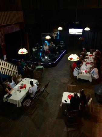 Stagger Inn: Dining room