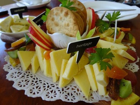 Gallo DairyLand: What a beautiful cheese platter!