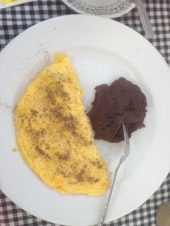 Casa San Bartolome: breakfast - omlett (I added pepper)