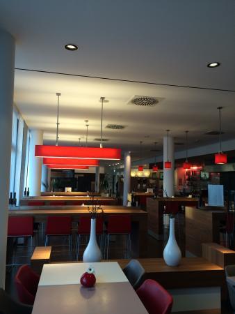 Ibis München City West: Espação café da manhã