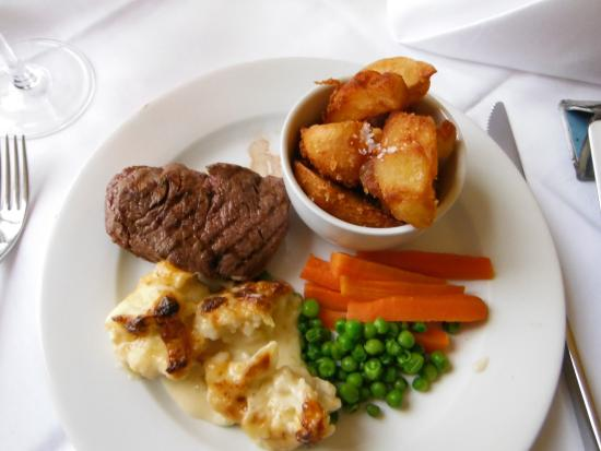 The Seawood Hotel: The steaks are fantastic