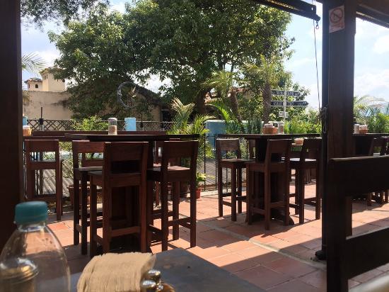 Luna de miel : view from table