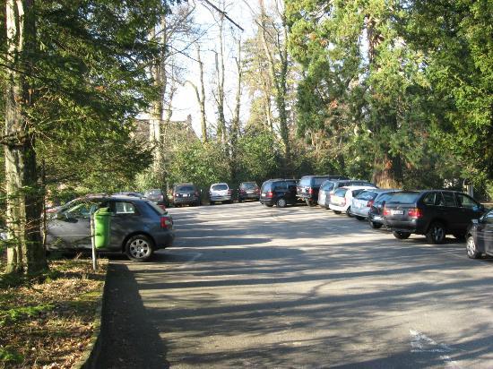 John Knox International Reform Center: hotel parking lot