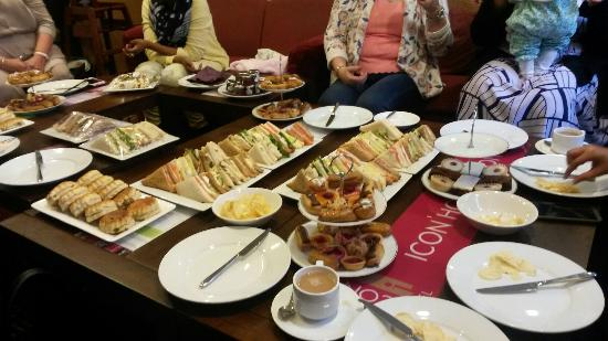 Icon Hotel Luton: Glorious Afternoon Tea. Amazing customer service and an incredible amount of food. All really yu