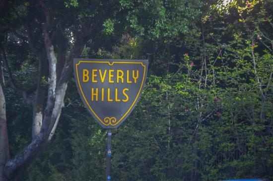 Elite Adventure Private Tours: The iconic Beverly Hills sign.