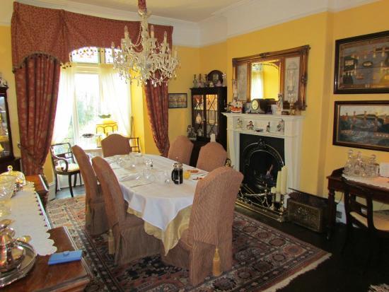 Glanarvon House: The dining room