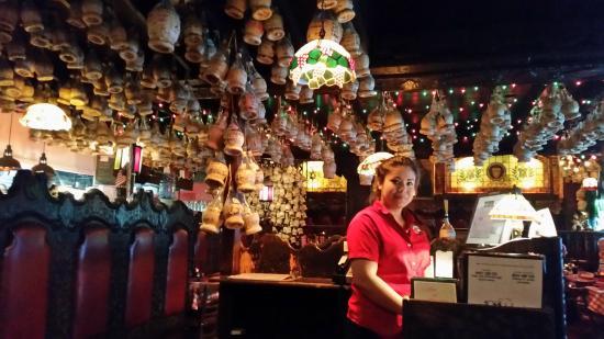 vista de las mesas  kuva Miceli's, Los Angeles  TripAdvisor