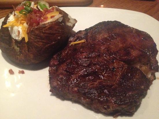Outback Steakhouse: 13oz ribeye
