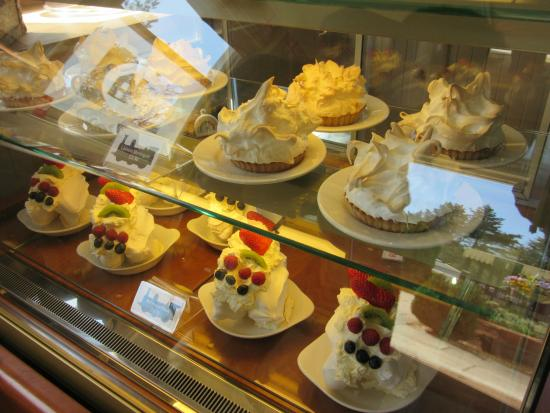 The Old Station House Tea Rooms at Holmsley: Tantalizing desserts on offer at the entrance.