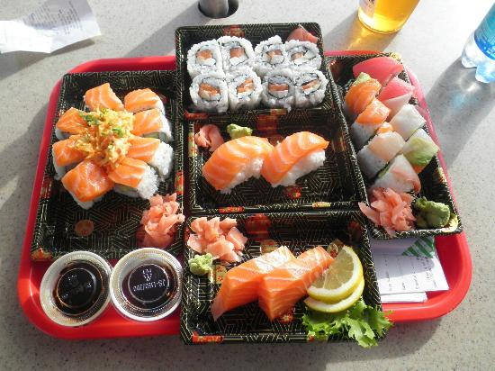 Fusion Bistro Sushi and Sake Bar: Riquísimo el sushi