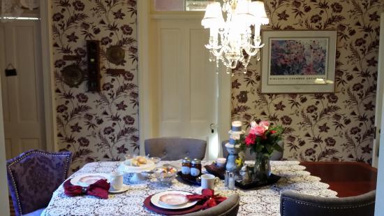 Naeset Roe Inn: Dining room