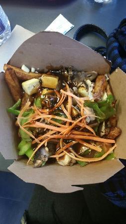 Chez Morasse : La poutine végé avec tofu et filet de sauce hoisin, j'ai bien aimé!