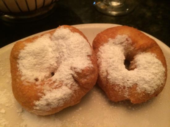 Loudonville, NY: D'raymonds doughnuts?