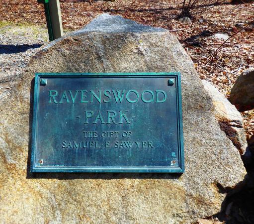 Ravenswood Park : sign at hike