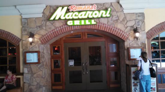 Romano S Macaroni Grill Restaurant Entrance At The Ala Moana Honolulu