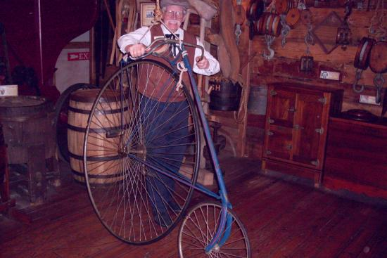The Oldest Store Museum: Shoulder-high high wheel bicycle☺