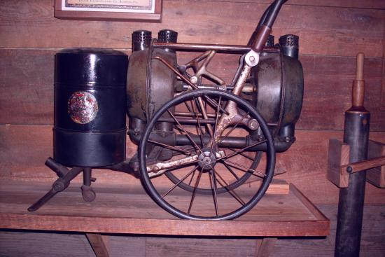 The Oldest Store Museum: 150-year-old vacuum cleaner