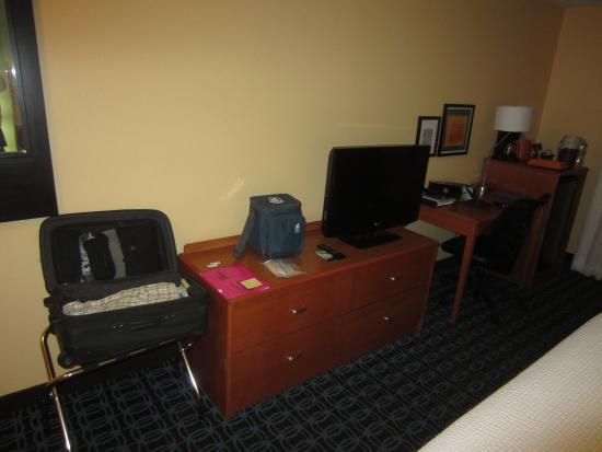 Fairfield Inn & Suites Kansas City Lee's Summit : typical set-up