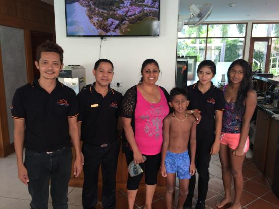 Phunawa Resort: Just before Leaving the Hotel  with Friendly staff