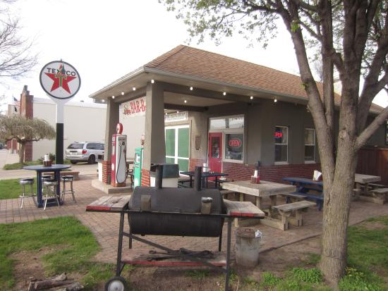 Filling Station BBQ: smoker wets the appetite