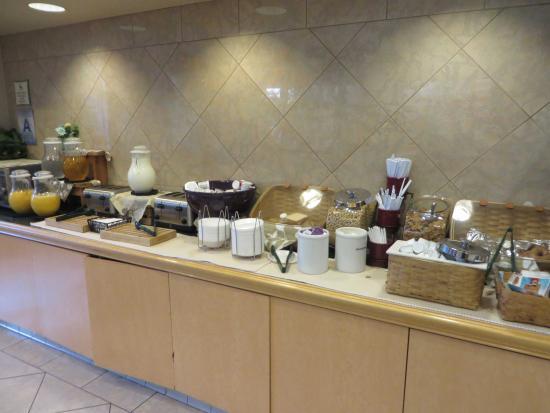 La Quinta Inn & Suites Ontario Airport: Free Breakfast