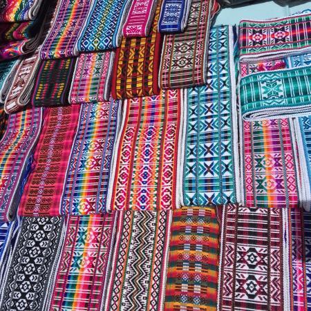 Plaza De Artesanías Otavalo Fotografía De Plaza De Los Ponchos