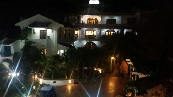 La Roca Villa Resort Hotel