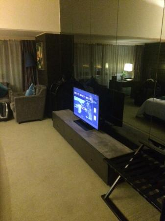 Jasmine International Hotel: TV console area