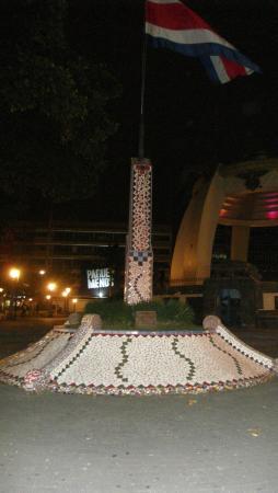 El Rodeo Estancia Boutique Hotel & Steakhouse: Monument à San José