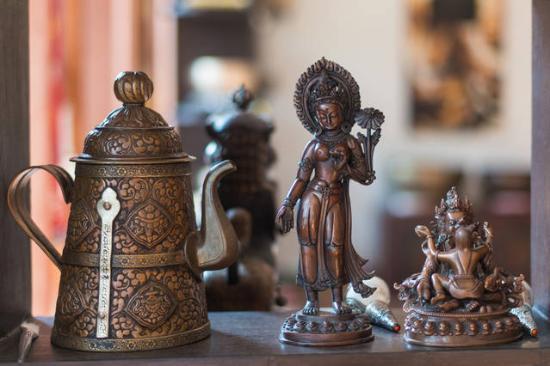 Om Handicrafts