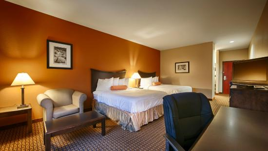 Best Western Plus Circle Inn: Two Queen Size Beds
