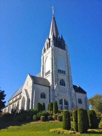 Orillia, Canada: Church on sunny day