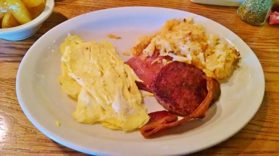 Cracker Barrel: breakfast