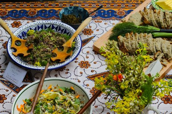 Caherdaniel, Ирландия: Seaweed bread and salads