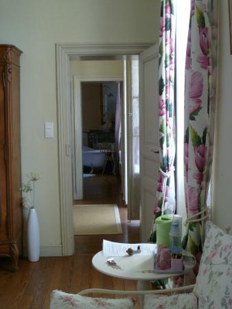 Chateau Coquelicot: suite