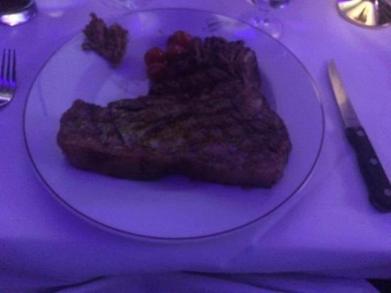 Greig's Grill & Restaurant: T Bone steak fills the plate