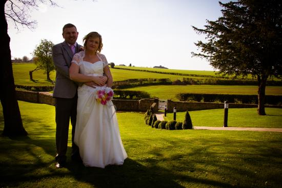 Best Western Plus Rogerthorpe Manor Hotel: Beautiful gardens for pictures!
