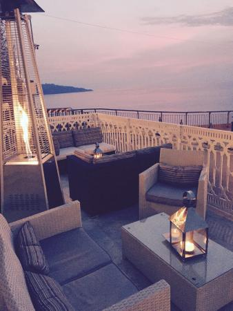 White Bar - Cocktails & Sunsets: Great view