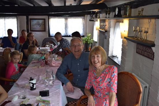 Olde Forge Hotel and Restaurant: A Happy couple