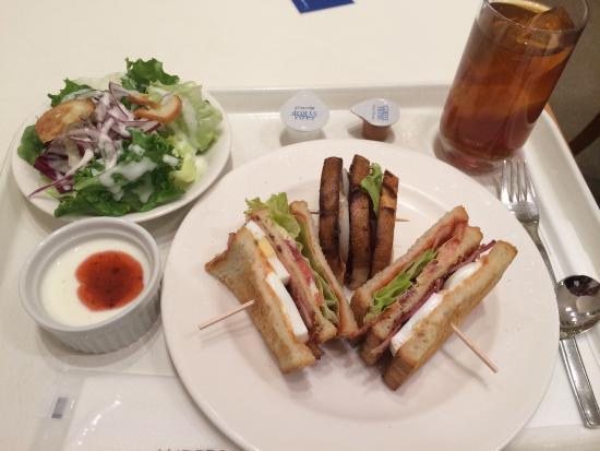 Andersen Kitchen Buffet: サンドイッチ サラダセットです