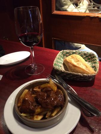 Taberna El Rincon de Jose: Today's special.... Pork and fried potatoes- very good!