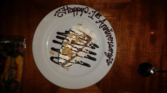 Giovanni's: See the nice handwriting on the plate