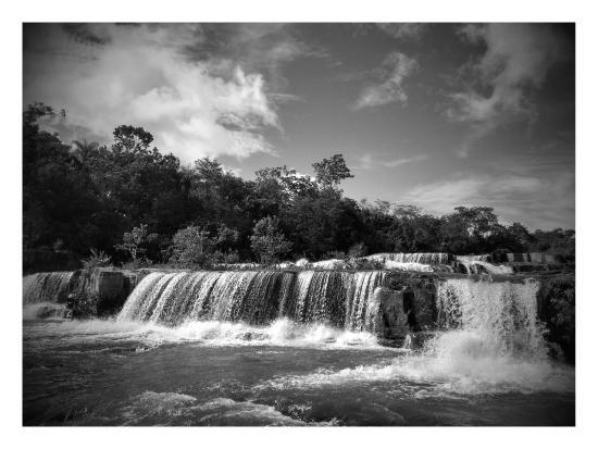 Rio Verde de Mato Grosso: Cachoeira das 7 quedas, um banho de natureza