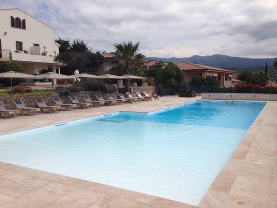 Kalliste Hotel Residence: Piscina!