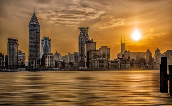 The Bund (Wai Tan): Sunset at the Bund April 2015