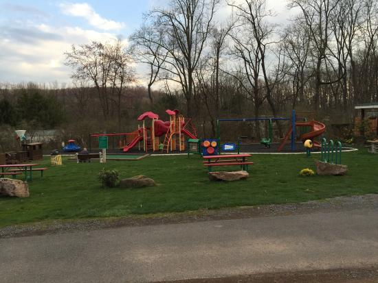 Lake in Wood Resort: Best playground