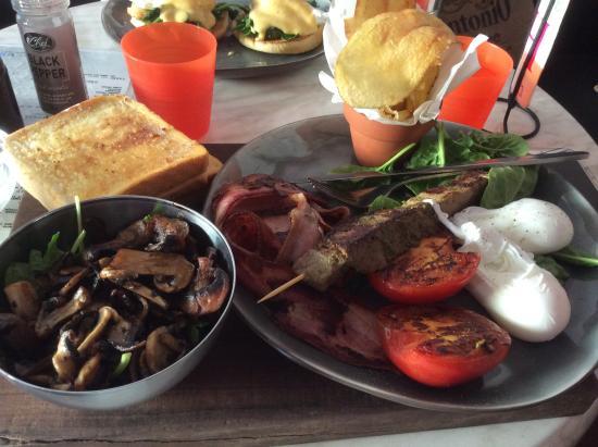 Big breakfast - Picture of Cafe 140, Bunbury - TripAdvisor