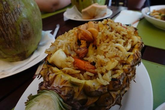 P.S. Hotel : pineapple fried rice