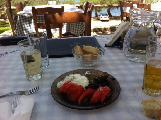 Waves on the Rock: Delicious meze