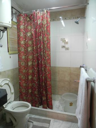 Serene Delhi: Shower Area